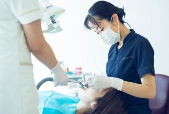 日本矯正歯科学会の認定医が在籍